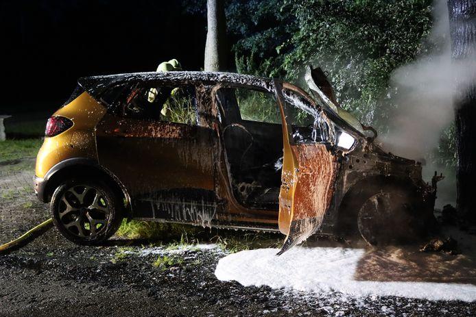 In het buitengebied van De Krim vloog gisteravond een auto in brand.