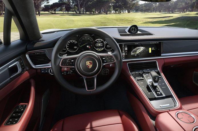 Het interieur van de Porsche Panamera Sport Turismo