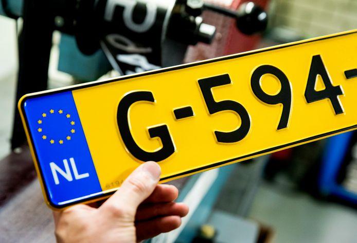 Pas als je aan alle regels hebt voldaan, krijgt je geïmporteerde auto een Nederlands kenteken