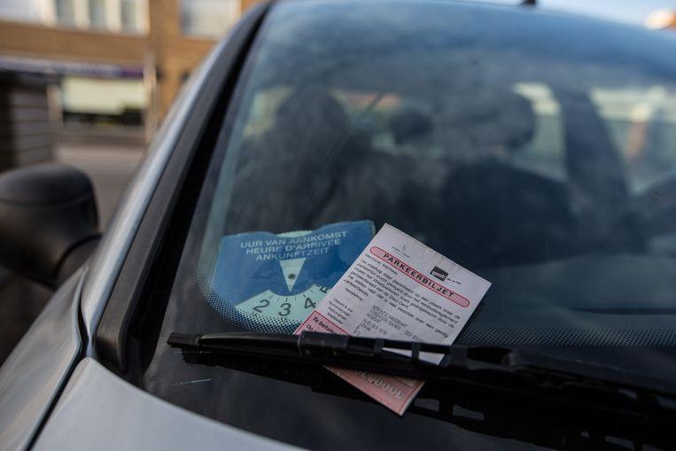 Een parkeerbiljet.