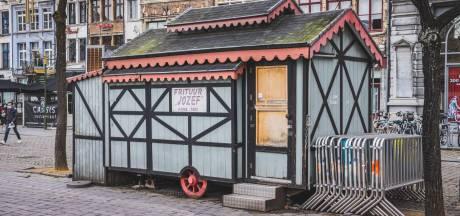 Na Blauwe Kiosk op Kouter dreigt weer iconisch stadsgezicht te verdwijnen: huurders kunnen torenhoog standgeld van frituur op Vrijdagmarkt niet langer betalen