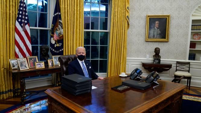 Biden richt Oval Office meteen opnieuw in met symbolische Amerikaanse iconen