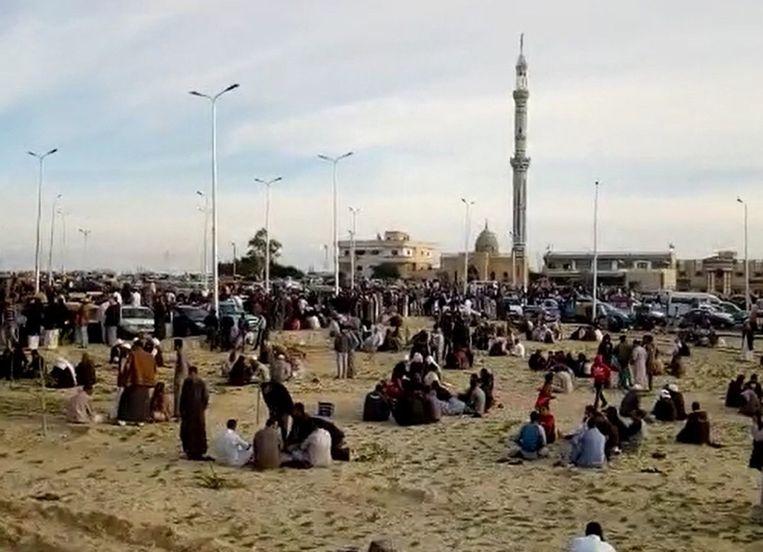 In de getroffen Al-Rawdah-moskee zou het soefisme worden gepredikt. Jihadisten zien soefisten als ketters. Beeld EPA