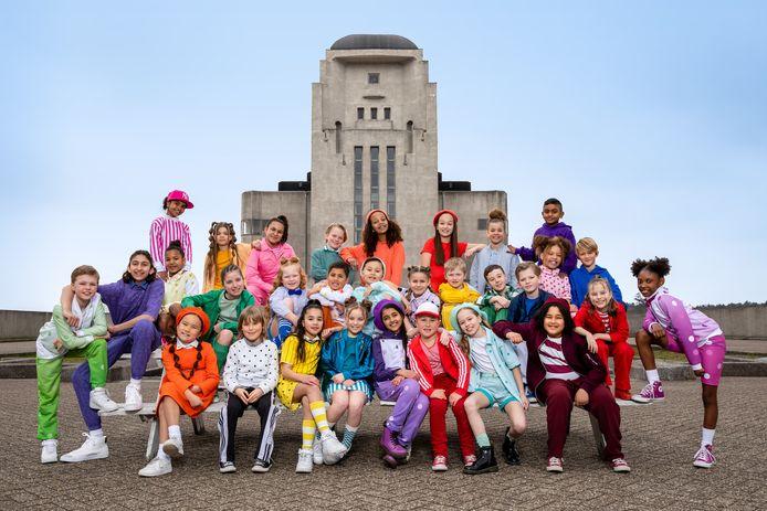 Kinderen voor Kinderen nam de videoclip voor Zij aan Zij op bij Radio Kootwijk.