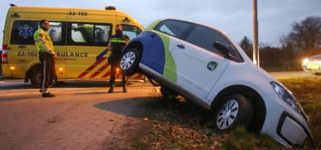 Auto belandt in sloot in Eindhoven