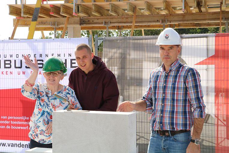 De eerste steen van het nieuwbouwcomplex is gelegd.
