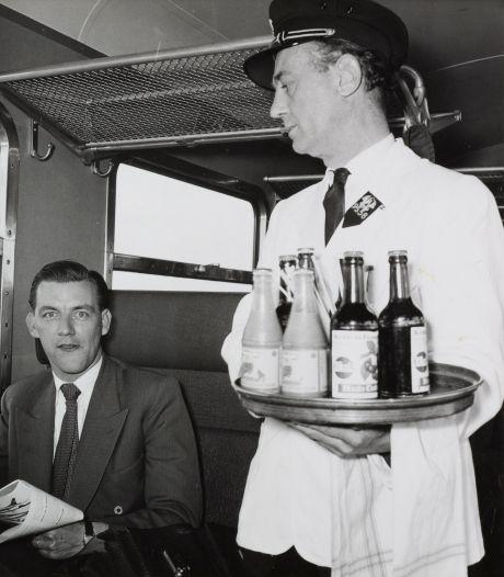 Geen gevulde koek maar een ijsbombe: zo at je vroeger in de trein