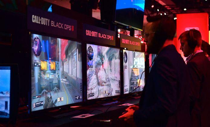 Ontwikkelaar en uitgever Activision Blizzard, bekend van onder andere de Call of Duty-serie, gaat tweeduizend werknemers aannemen in de komende twee jaar.