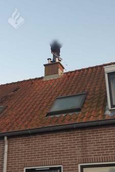 Agressieve man met honkbalknuppel van dak gehaald in Geersdijk