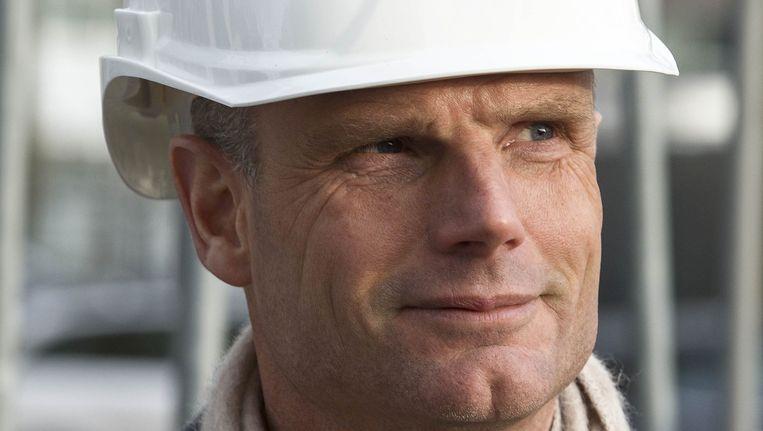 Minister Stef Blok voor Wonen en Rijksdienst kijkt rond op de bouwplaats van The Student Hotel in Amsterdam. Beeld ANP