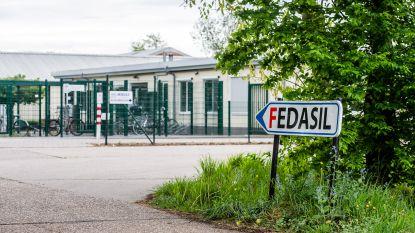 """Fedasil wil asielzoekers onderbrengen op campings en in vakantieparken: """"500 extra plaatsen per maand nodig"""""""