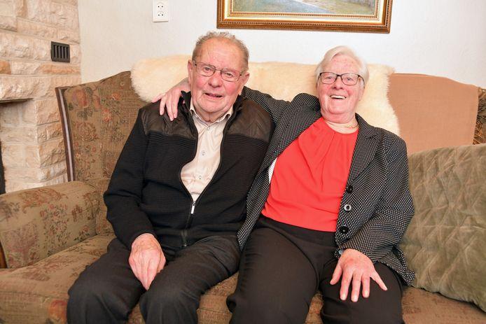 Gerard en Els van de Walle 65 jaar getrouwd en happy in hun eigen huis in Hulst.