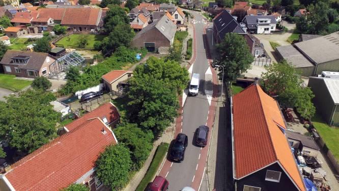 Zorgen over verkeersdrukte in Hekelingen en Simonshaven: 'Nijpende situatie op de weg'