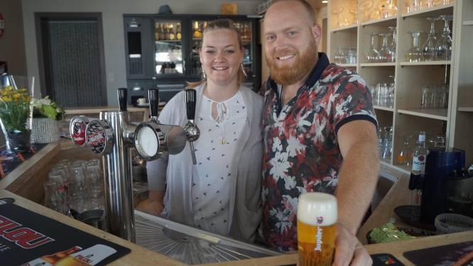 Thomas en Sarah nemen café De Sportwereld over