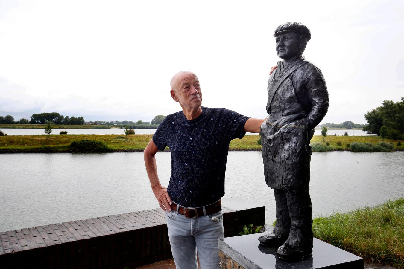 Schrijver en journalist Piet Hartman zag als kind hoe door overbevissing de zalm uit de Merwede bij Woudrichem verdween. 'Mijn opa was zalmvisser.'