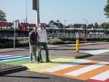 Raymond en Richard op 'gaybrapad' in Winterswijk: 'Wees niet bang om uit de kast te komen'