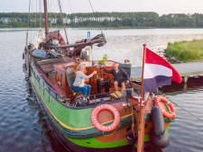 Pieter en Alies wonen op het water: 'Na het werk met de kano een ijsje halen in Veere: dat noemen wij rijkdom'
