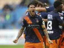 Verwarring bij debuterend 'capitán' Pol Llonch: 'Vitesse-spelers begroeten was niet de bedoeling'