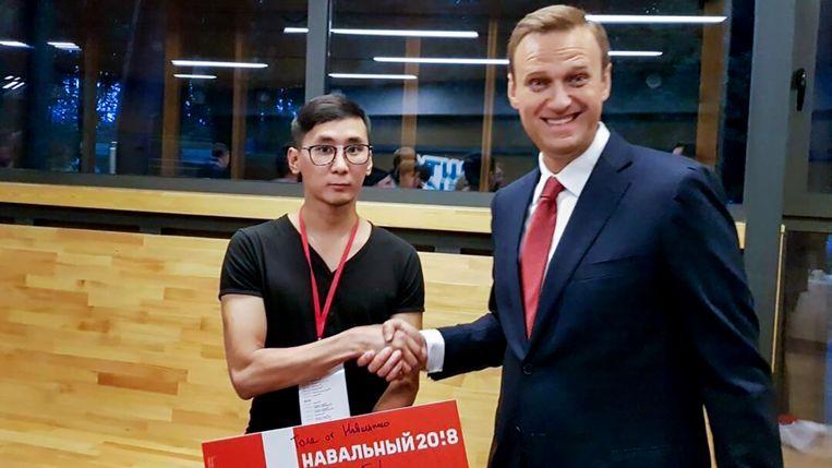 Anatoly Nogovitsyn (l) met Alexej Navalny.  Beeld Twitter / Anatoly Nogovitsyn