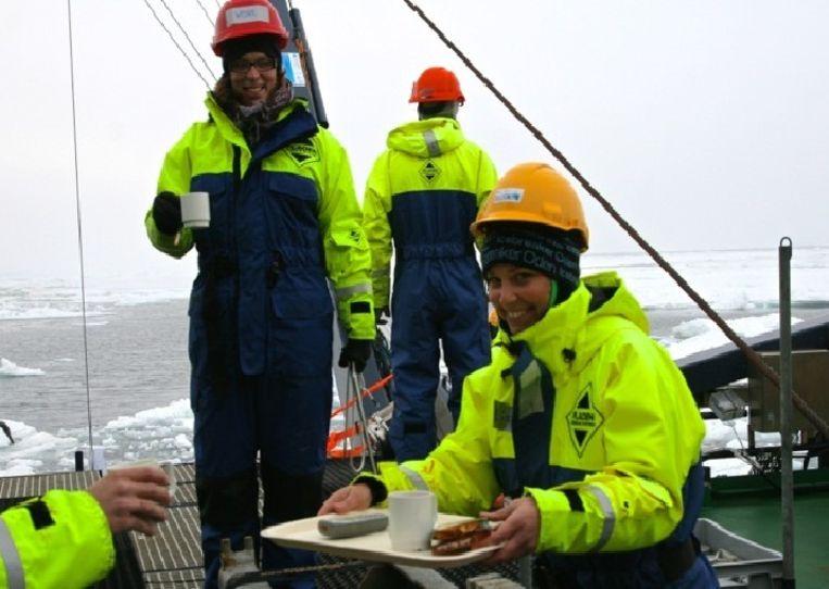 Jorien Vonk met collega's aan boord van Oden. Beeld Redactie
