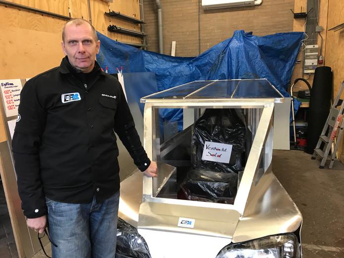Gerard de Bruijn heeft het prototype van zijn zonne-auto verkocht tijdens de DDW.
