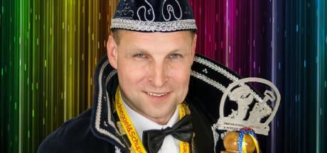Markies Erik en sik Clemens voeren carnaval in Lattrop aan