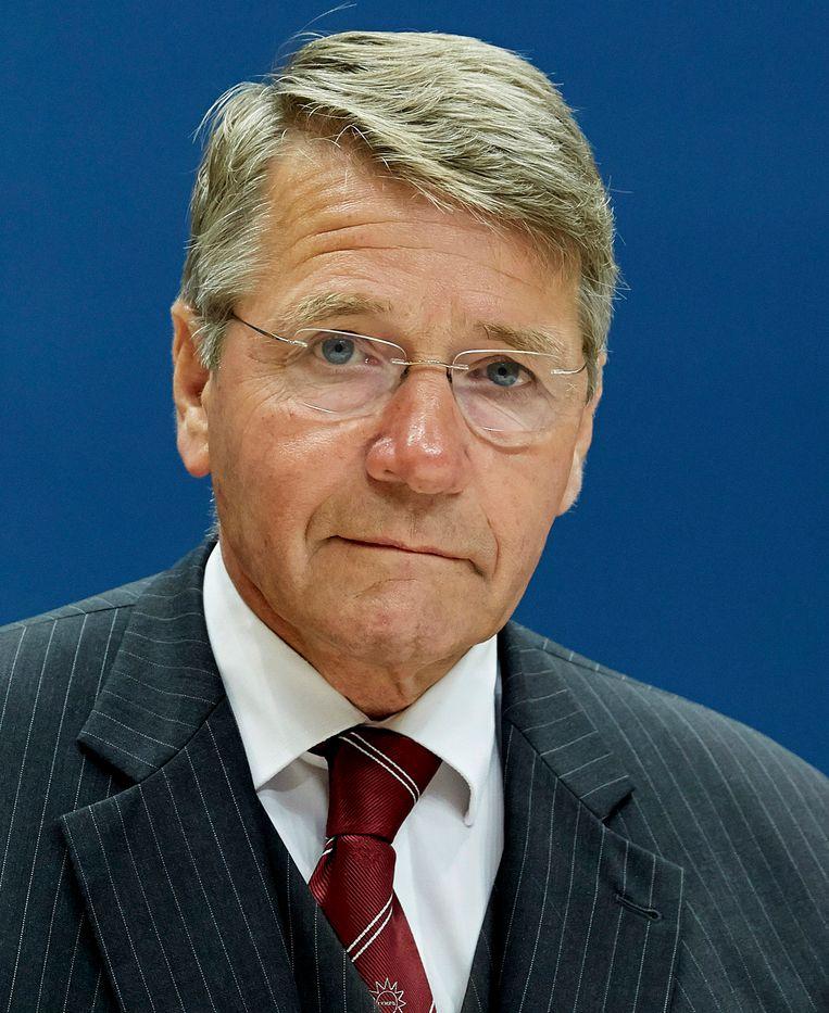 Oud-minister Piet Hein Donner kwam vorig jaar één dag voor het zomerreces met een rapport over de vraag of het mogelijk zou zijn het Vluchtelingenverdrag stringenter uit te leggen.  Beeld ANP