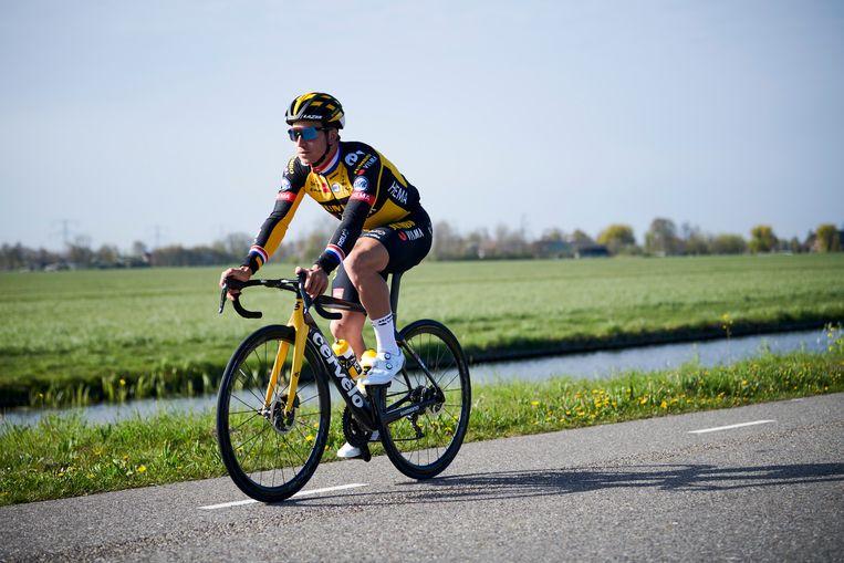 Dylan Groenewegen, in training in de buurt van Amsterdam. Beeld Bram Berkien