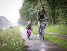 Vernieuwd fietspad langs Almelo-Nordhornkanaal officieel geopend: 'Dit is een verrijking'