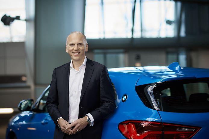 De Nederlander Pieter Nota, hier geflankeerd door een BMW X2