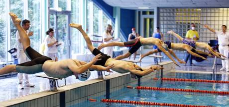 Nieuw wedstrijdbad in Almelo na actie zwemclub 60 centimeter breder: 'Dat voorkomt scheuren in zwemkleding'