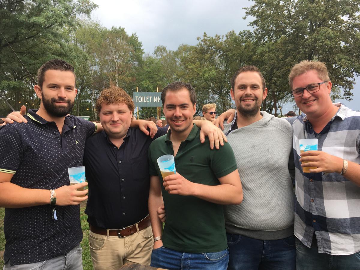 Nick, Lars, Robin, Tim en Wiljan (vanaf links) op Tuckerville