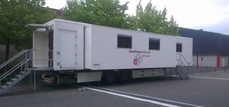 Borstkankeronderzoek in Roosendaal doelwit vandalisme; stroomkabels doorgesneden