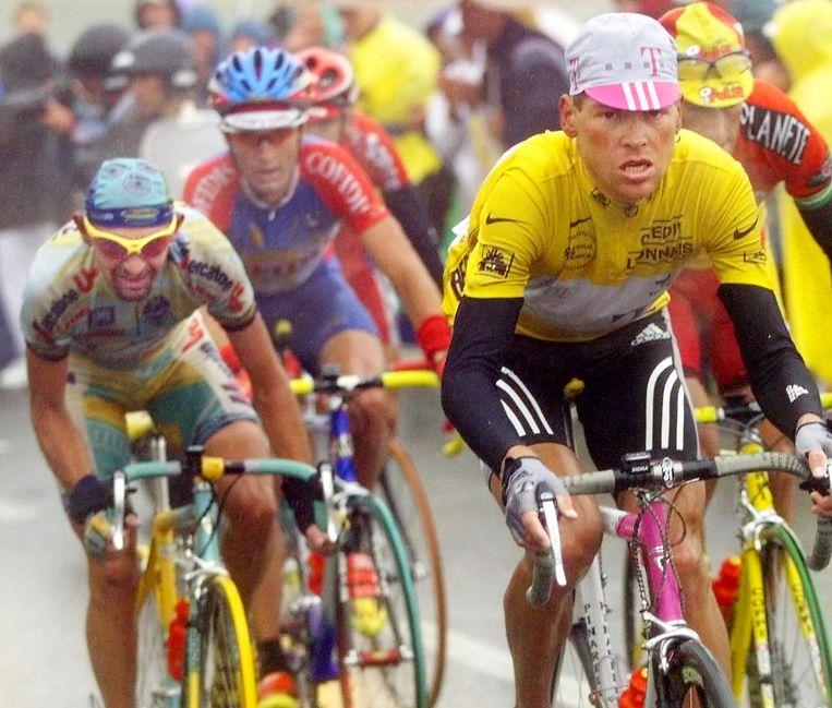 27 juli '98: Pantani rijdt Ullrich uit het geel: die dag werd z'n carrière er één van steeds minder hoop op beterschap.