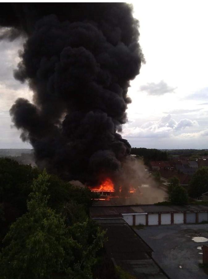 Aqua 2000 à Gosselies (Charleroi) n'est plus que des cendres