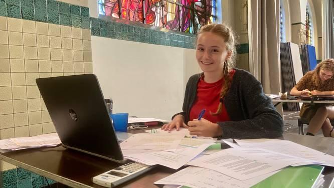 Gezamenlijke studeerruimtes in de Kapel en bibliotheek Zoersel