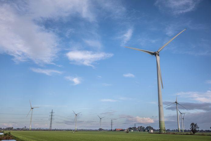 Bij Tolhuislanden staan al windmolens. Daarom wees de gemeente Zwolle dit aan als enige gebied waar nieuwe windturbines welkom zijn. Dat was tegen het zere been van de inwoners van de buurtscha.