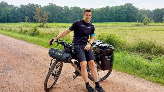"""Nick fietst 6.000 kilometer naar Iran voor nichtje en Kinderkankerfonds: """"Ik hoop eind oktober in Teheran te staan"""""""