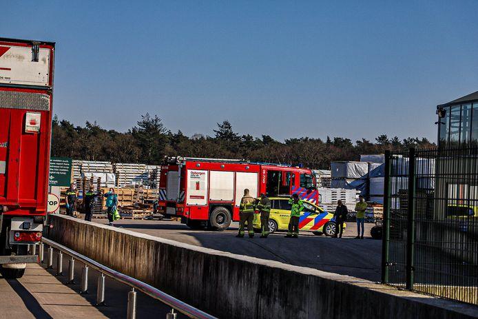 De hulpdiensten zijn vanmiddag opgeroepen voor een incident bij tuincentrum het Fonteyn in Uddel.