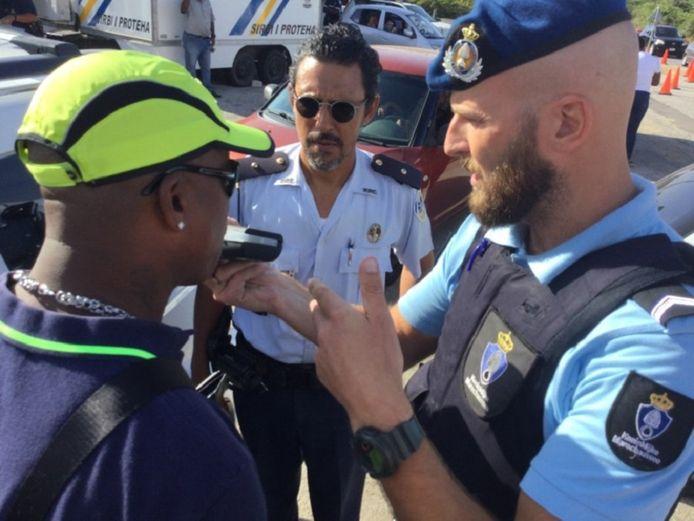 De politie van Curaçao hield op Goede Vrijdag voor het eerst een grootscheepse alcoholcontrole.