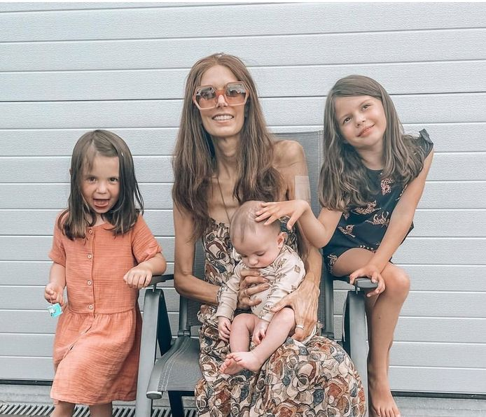 Lara met dochters Romée (links), Philippa en zoontje Gabriel.