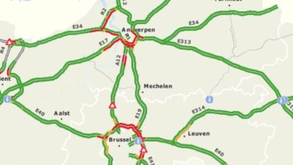 """Zware verkeerschaos op Antwerpse én Brusselse ring: """"Hou rekening met heel wat tijdsverlies"""""""
