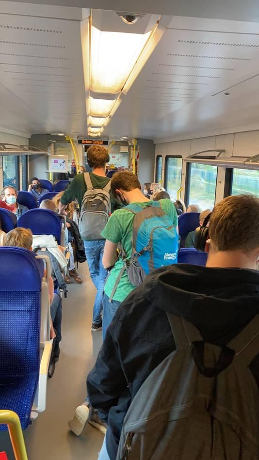 Drukte in de trein op Moederdag.