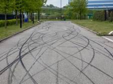 Man (31) raakt gewond bij straatrace in Oud Gastel, motorrijders laten bandensporen achter