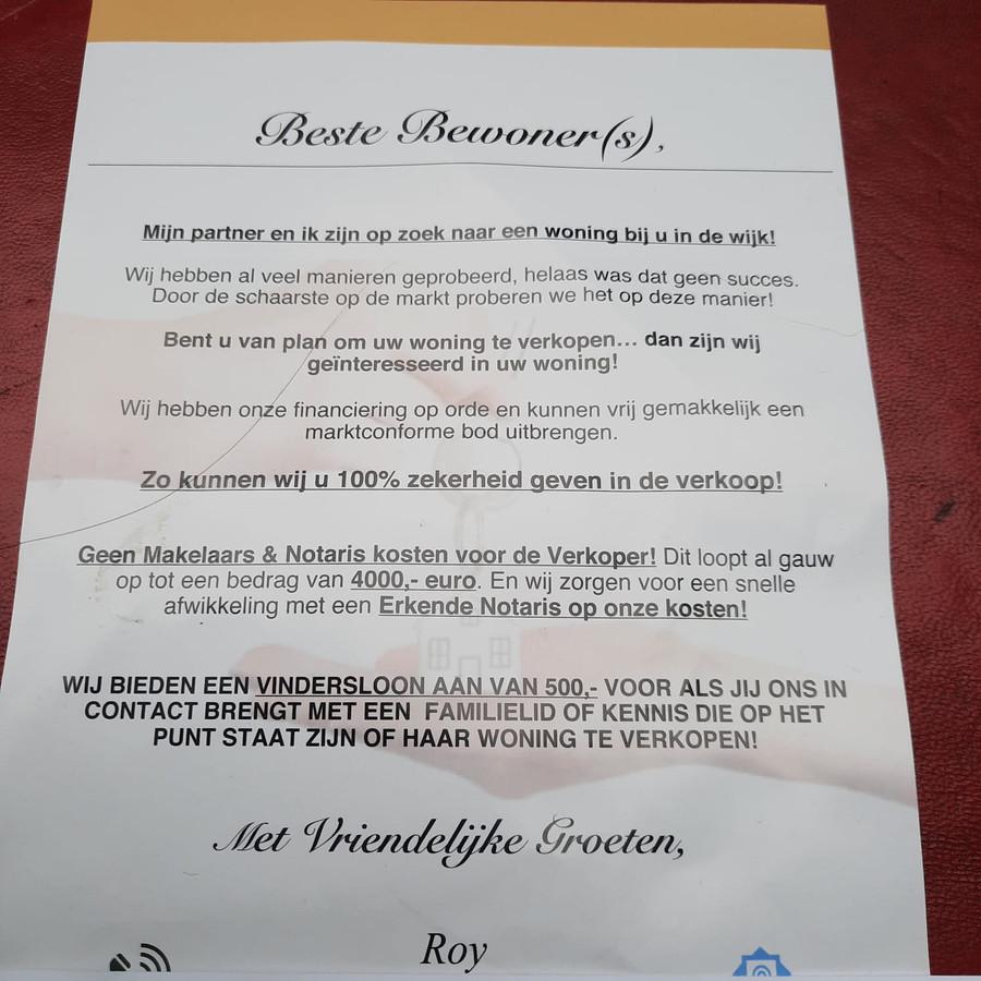 Het briefje van 'Roy' dat bewoners van het Sonsbeekkwartier in Arnhem in de bus kregen.