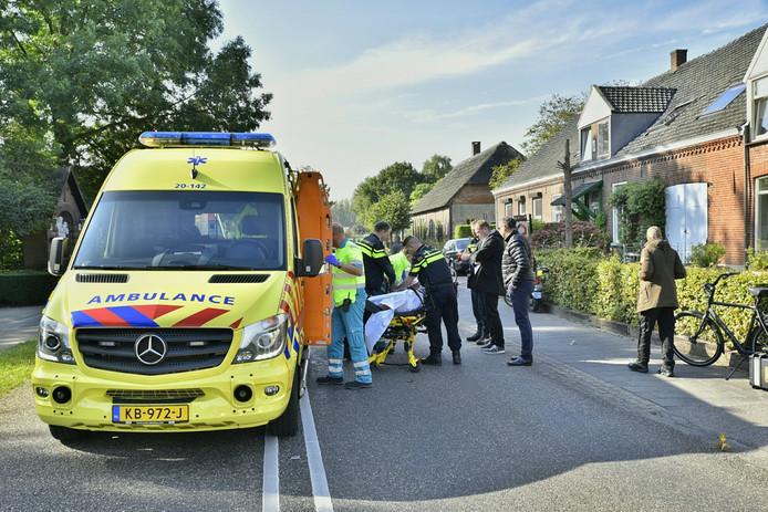 De Heukelomseweg werd na het ongeluk tijdelijk afgesloten zodat de hulpdiensten hun werk konden doen.
