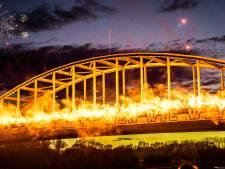 Anti-Joods spreekkoor Vitesse-aanhang op John Frostbrug scherp veroordeeld; 'Lafhartige haters'