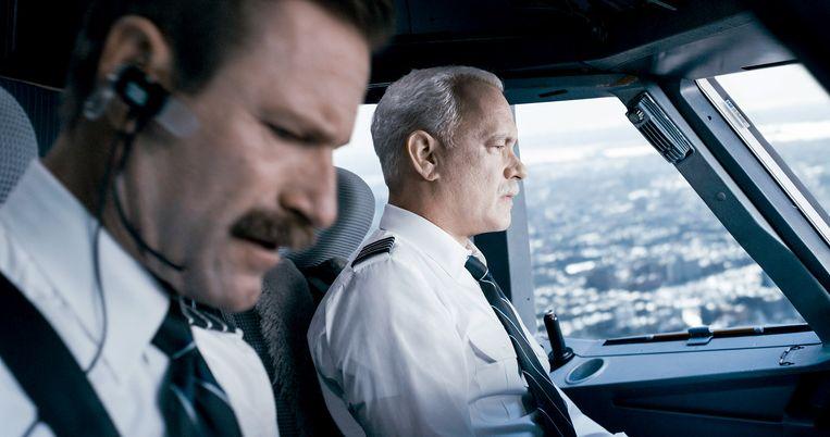 Aaron Eckhart als Jeff Skiles en Tom Hanks als Chesley