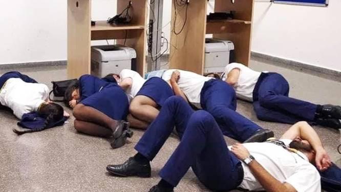 Foto van 'slapende crew' is nep volgens Ryanair en dat bewijzen ze met videobeelden