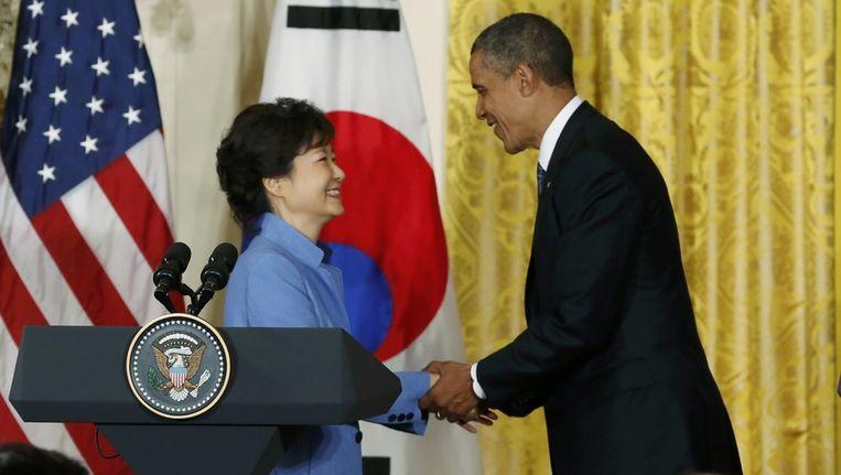 De Amerikaanse president Obam met de Zuid-Koreaanse president Park Geun-Hye. De twee gaven vandaag een gezamenlijke persconferentie over de oplopende spanning met Noord-Korea. Beeld reuters